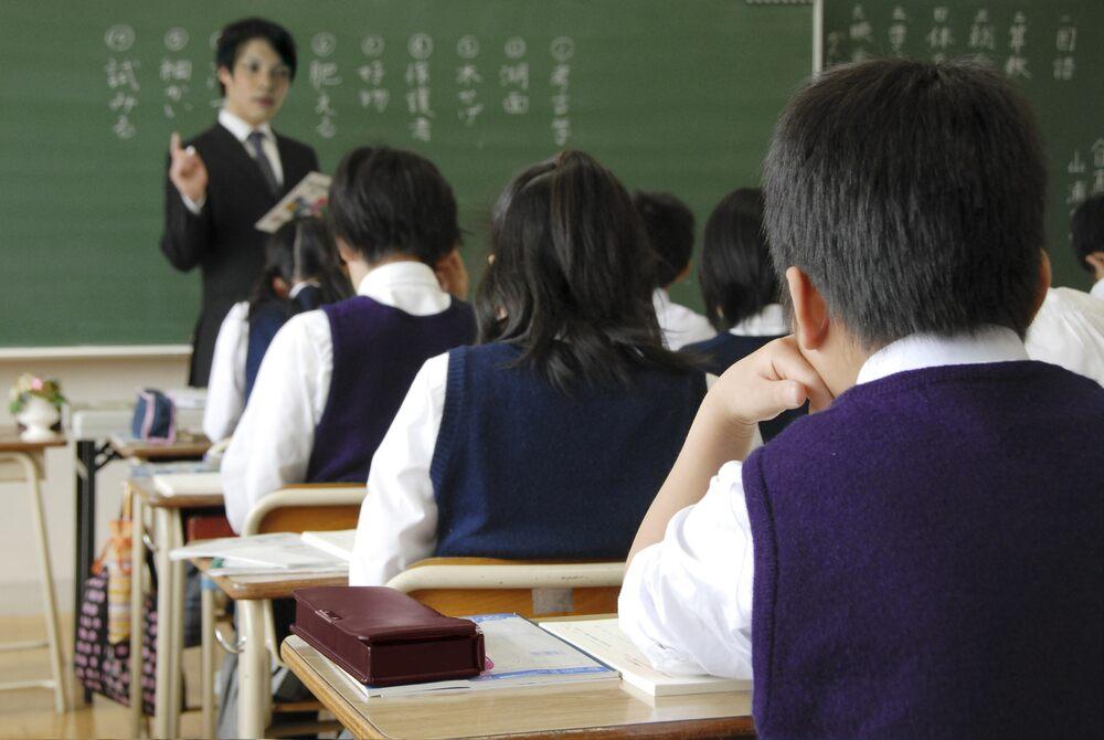 【鄺俊宇專欄】返學嘅日子好幸福 有冇曳同學坐隔離?