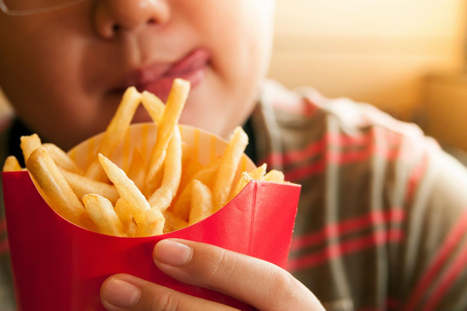 【飲食禁區】亂食宵夜影響身高!?3類食物食太多影響多