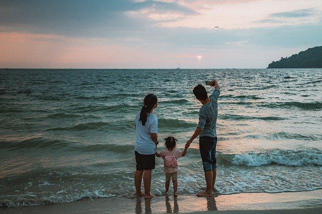【父親節調查】8成港爸不望退休獲供養  平均為子女留三分二財富