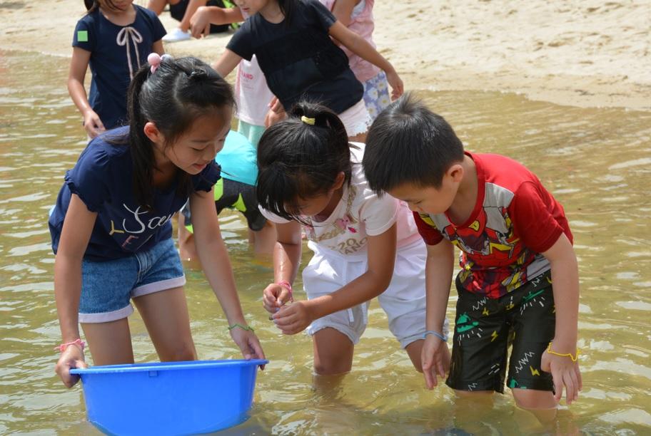【暑假好去處】室內都可以生態遊 小朋友玩浮潛學環保